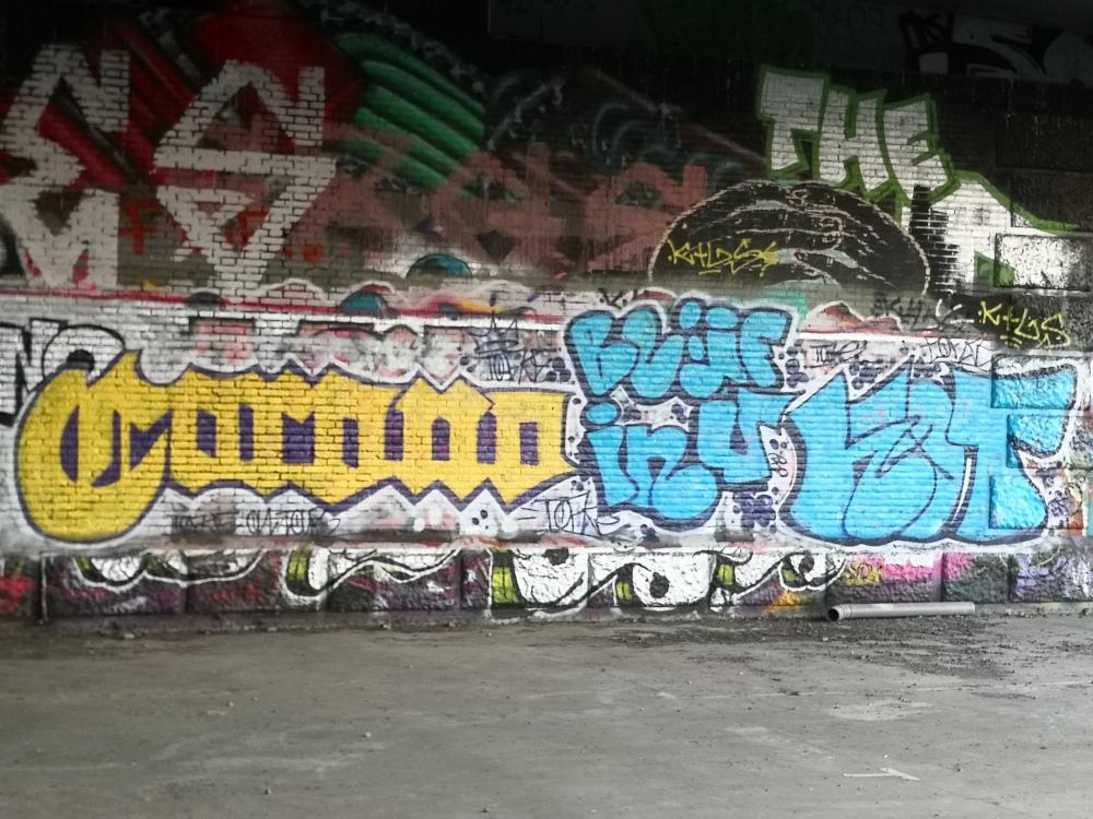 Sofie De Ruysser, foto van mural 'Corona. Blijf in u kot', FelixArchief inv.nr 2880#1.